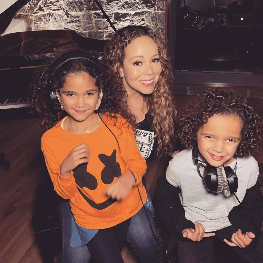 Carey with her twin children, Roc and Roe