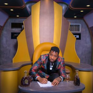 Ike signs deal with Remy Martin
