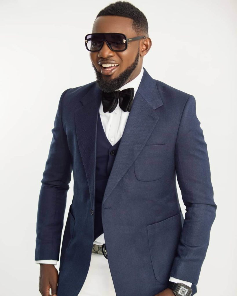 AY signs deal with chinese movie company