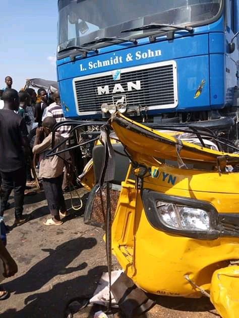 3 Die In Truck Accident On Lagos-Abeokuta Expressway