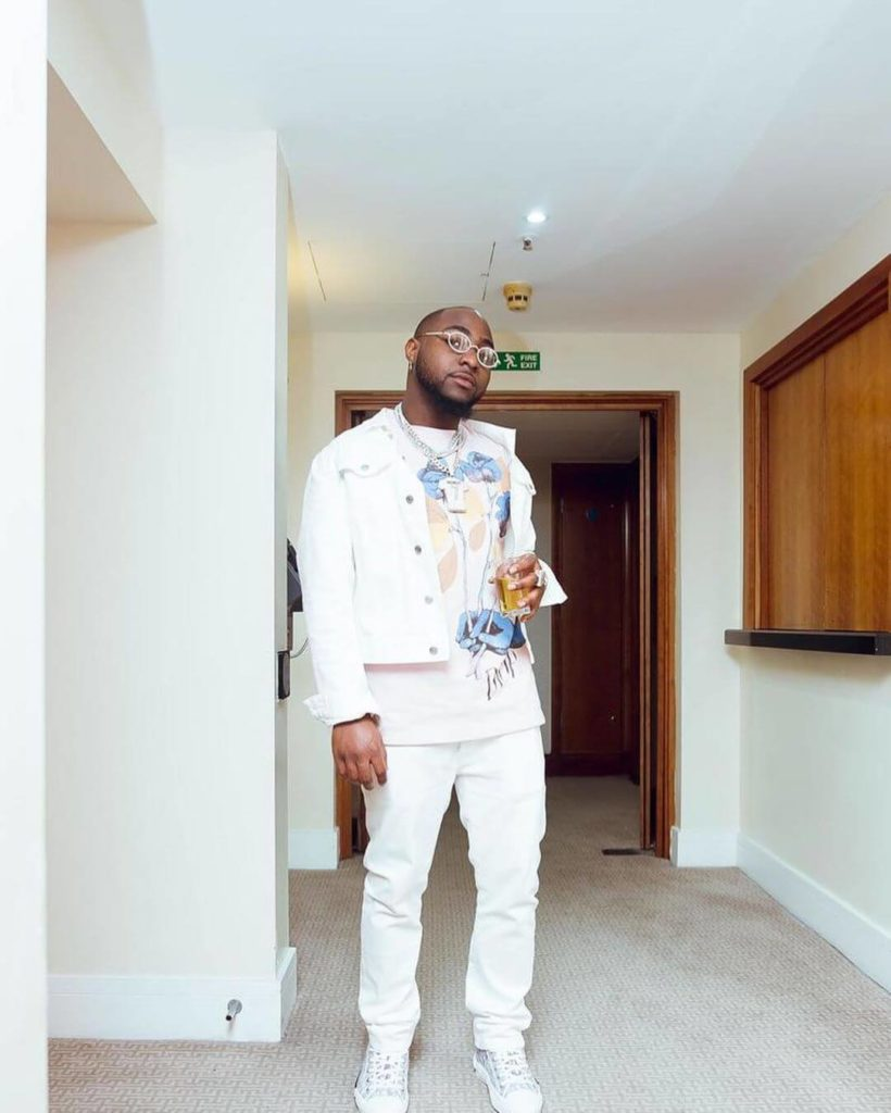 Davido takes his crew on a shopping spree