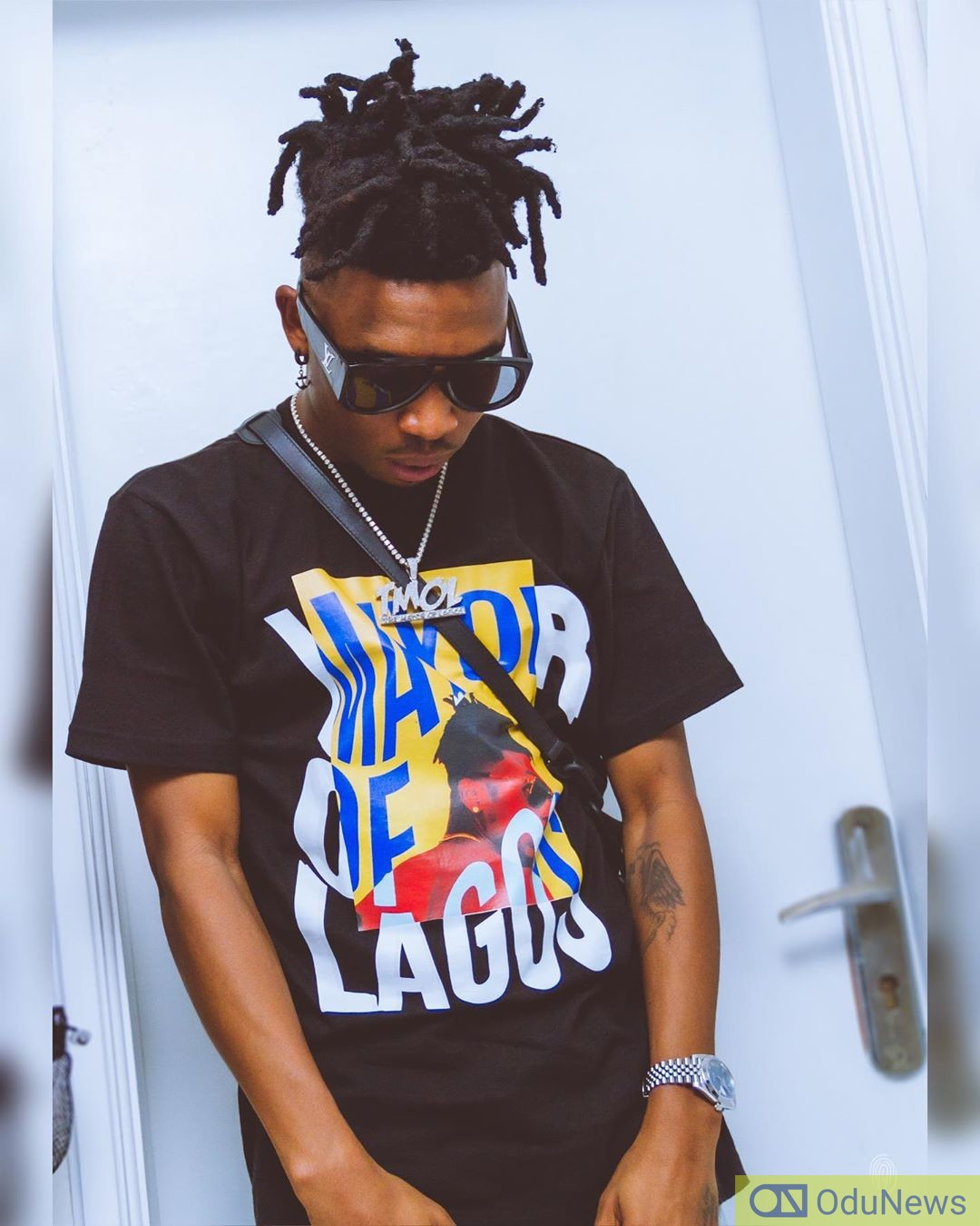 Mayorkun Escapes Mob Attack After Slapping Hotel Staff