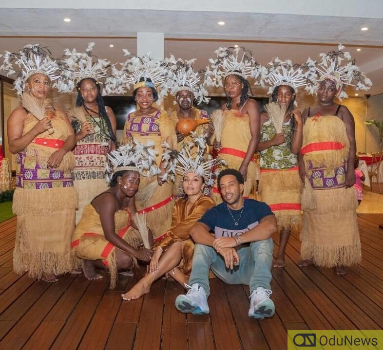 Ludacris with some Ghanaian women