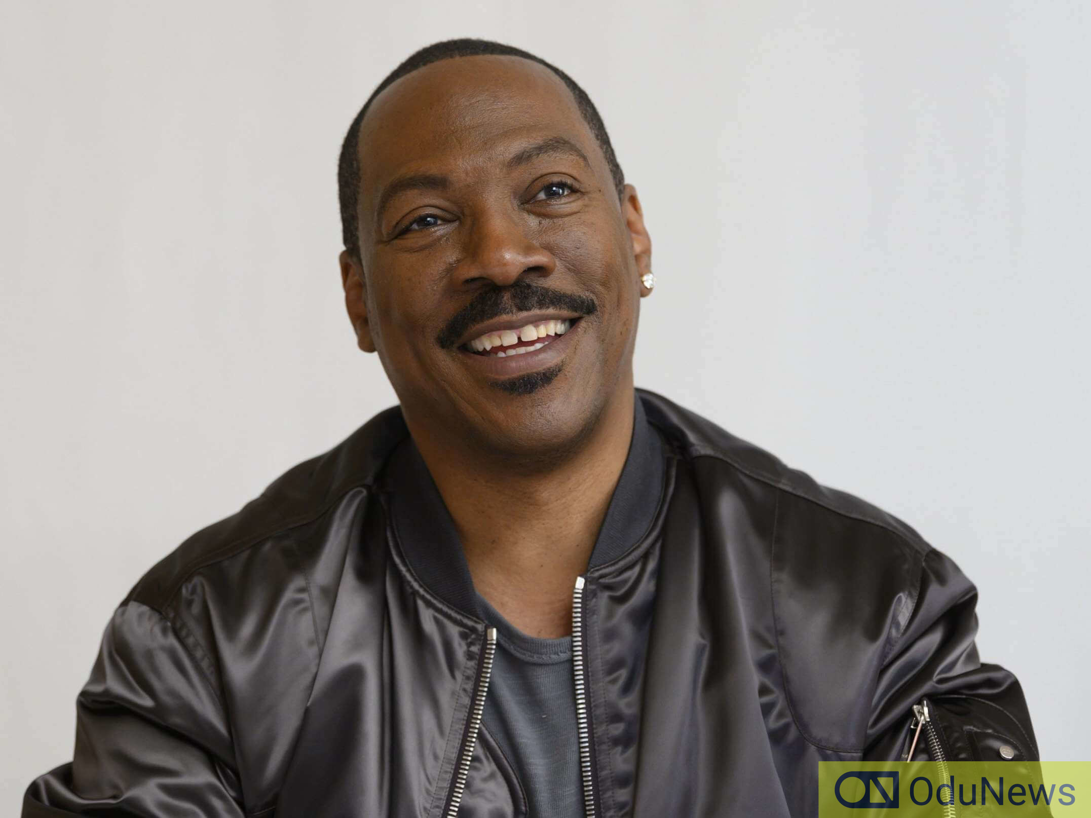 Eddie Murphy mocked Bill Cosby while giving a monologue on SNL