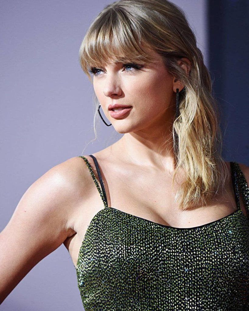 Taylor Swift talks about going into her thirties