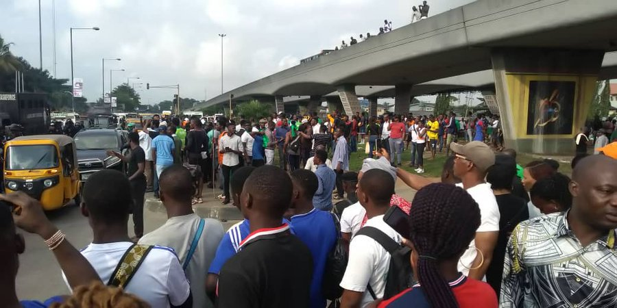 Students of Iyi Enu mission hospital protest as 100l student gets killed by a driver