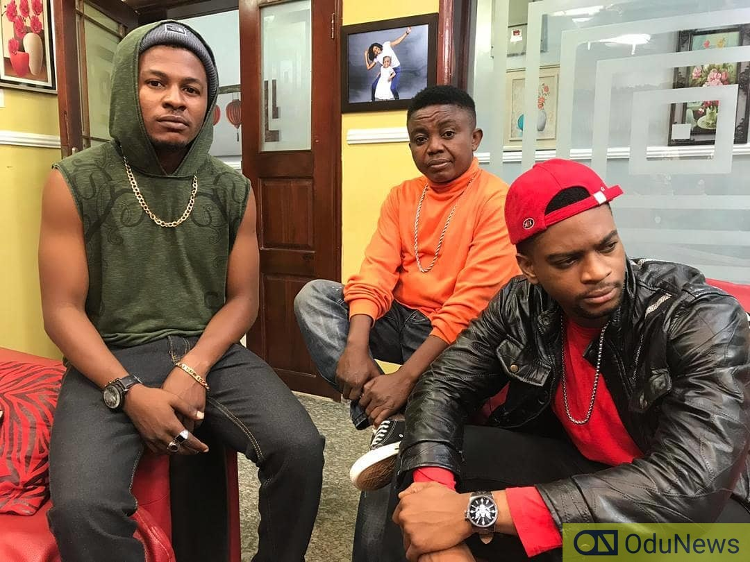 Ajibola with his series co-stars