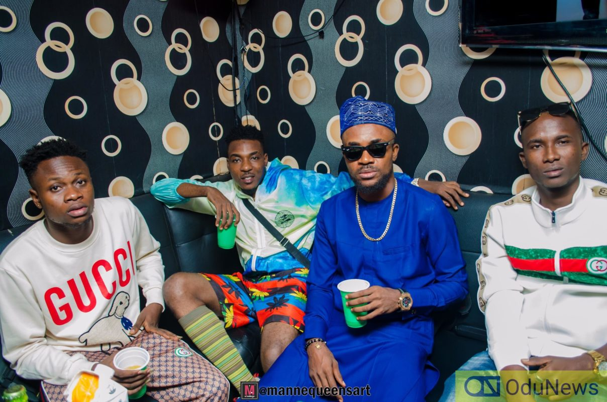 Zayo flanked by Gida Hills and Silver Orji of House of Vestas