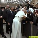 Pope Francis Kisses Nun [WATCH VIDEO]