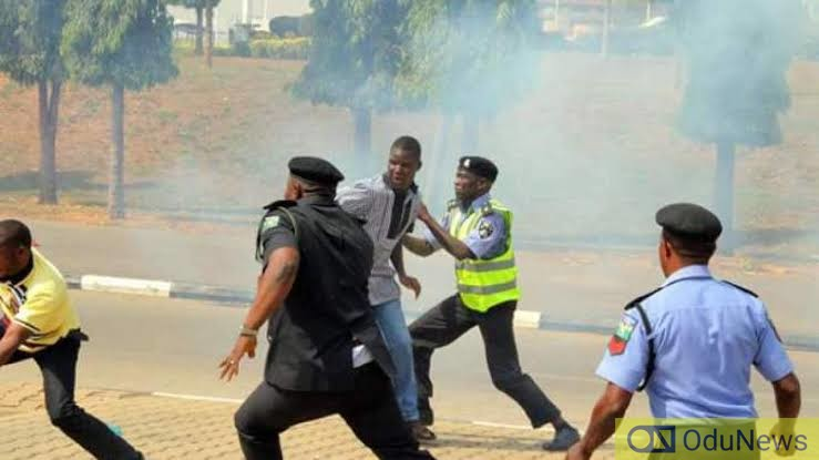 BREAKING: Passerby Killed As Police-Shiites Clash In Abuja