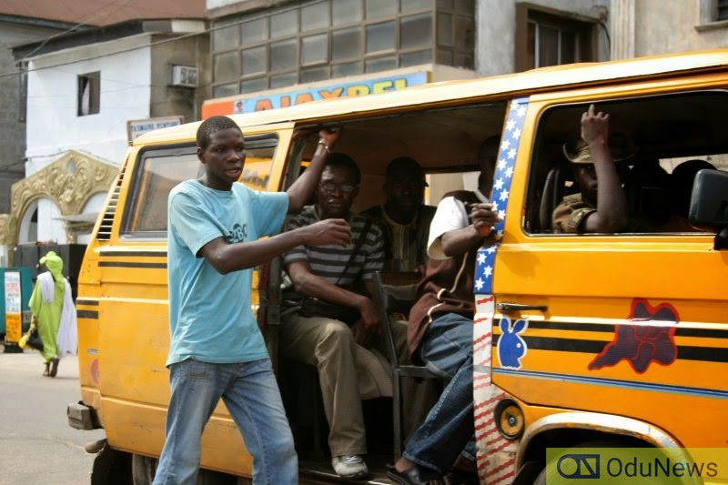 Lady and Conductor get into fistfight over 10 naira change
