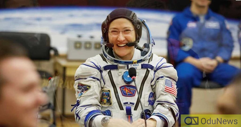 US Astronaut Lands Back On Earth After 328 Days In Space