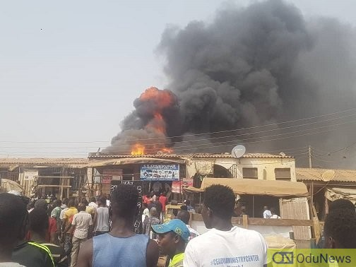 [VIDEO] Fire Razes Utako Park In Abuja