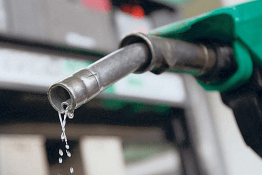 BREAKING: FG Reduces Fuel Price To N130/Litre
