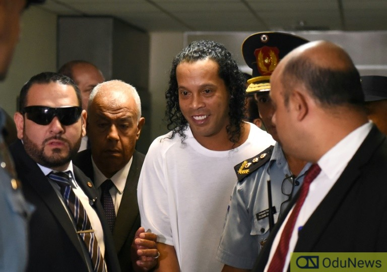 Ronaldinho Mistakenly Used Fake Passport - Lawyer