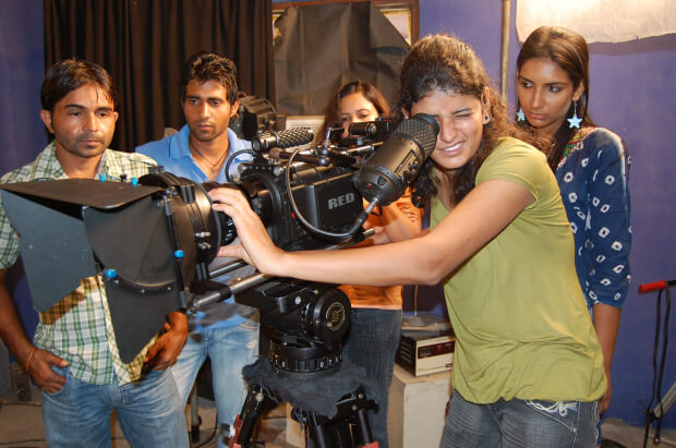 India's media regulatory made the decision yesterday to halt production for movies and television projects