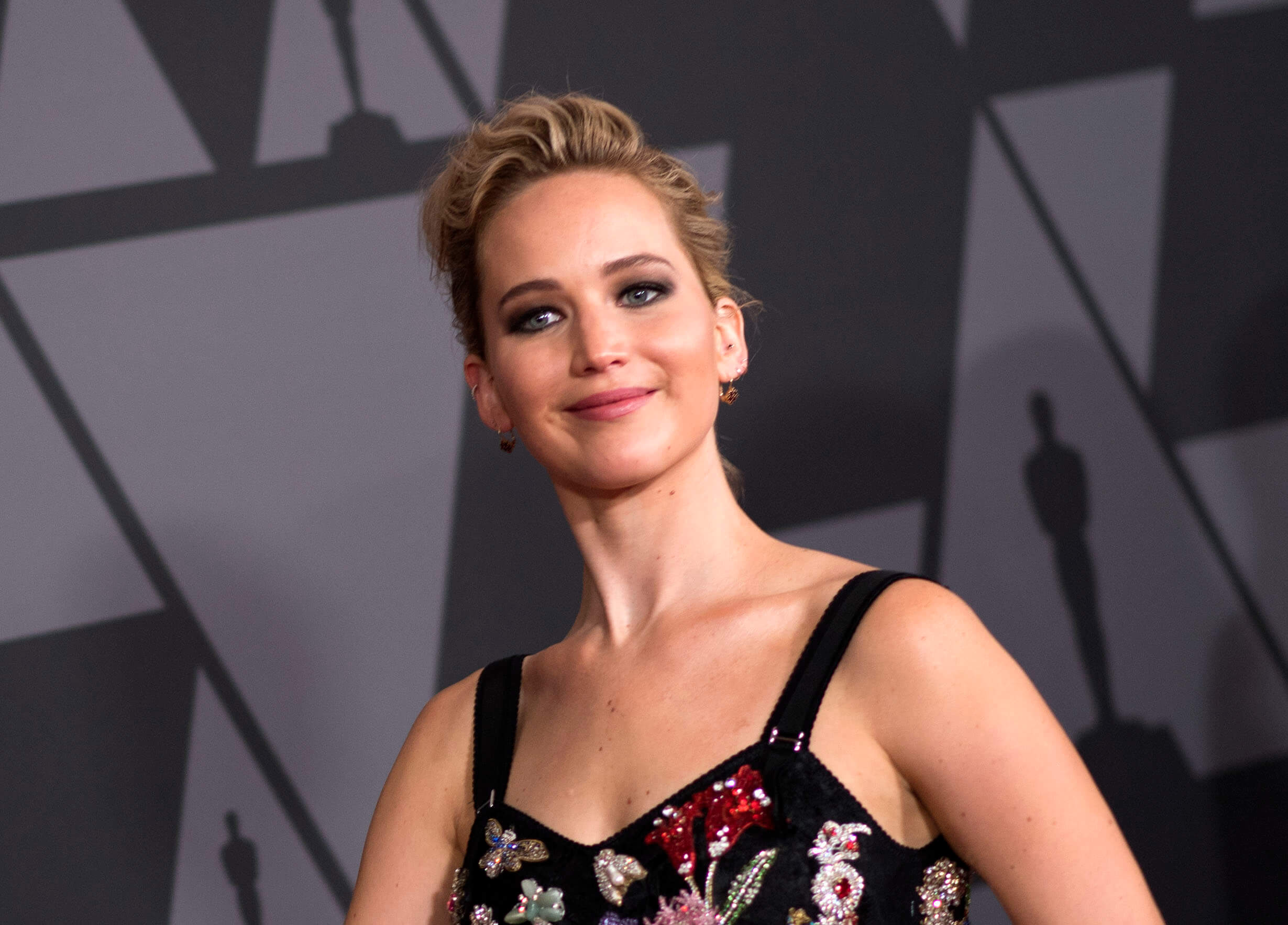 Jennifer Lawrence played Katniss Everdeen in the movie adaptation of THE HUNGER GAMES