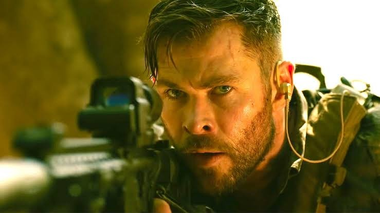 Hemsworth in a scene from EXTRACTION.