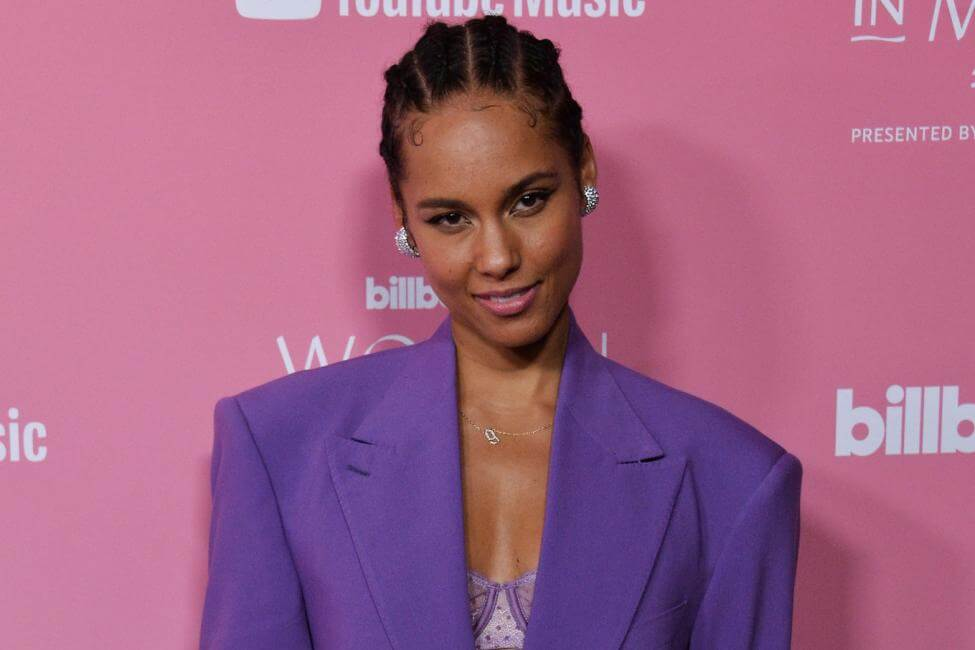 Alicia Keys says it's crazy that her dad kept the letter till this time