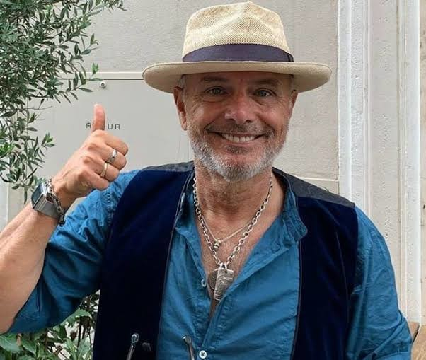 Joe Pantoliano sustained head, leg and shoulder injuries