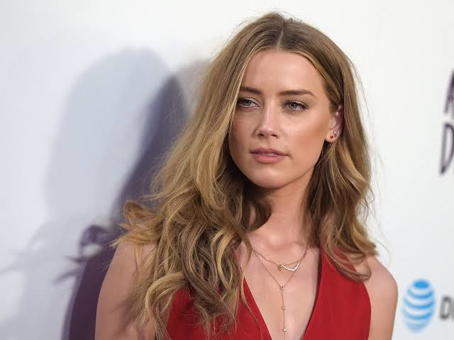 Amber Heard starred opposite Jason Momoa in AQUAMAN