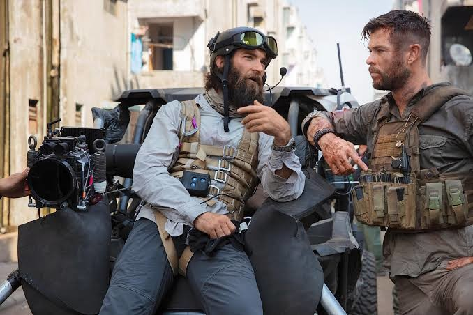 Director Sam Hargrave and Chris Hemsworth