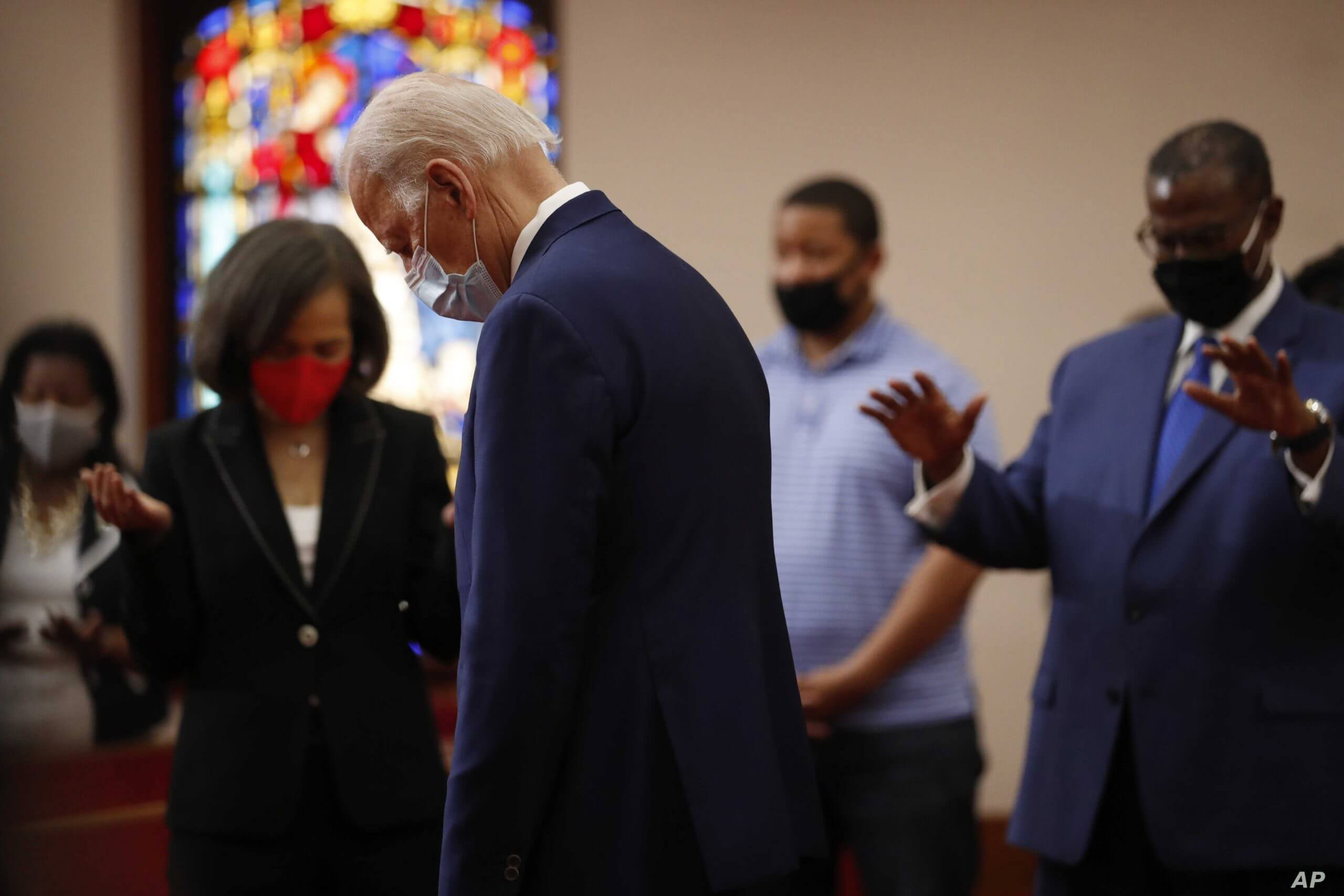 Biden pays his last respects to George Floyd