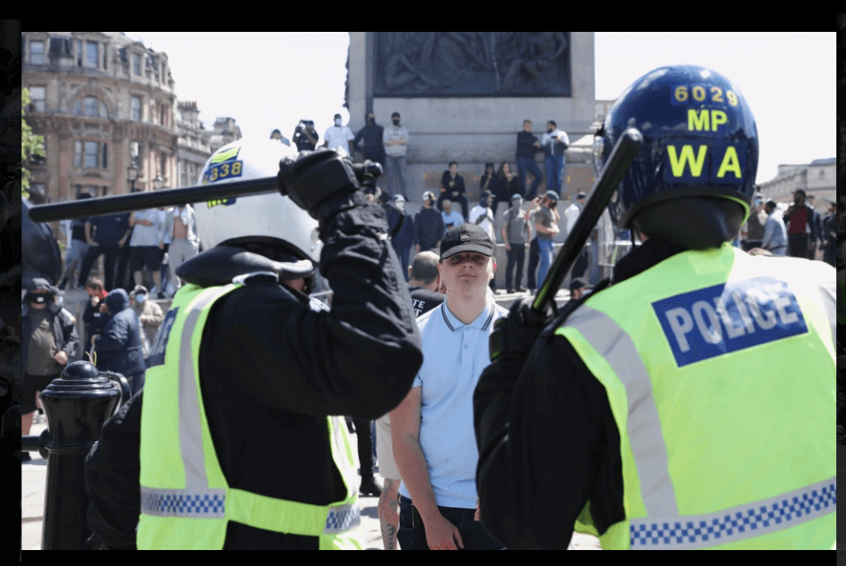 Statue-row protesters and cops clash in London Riots