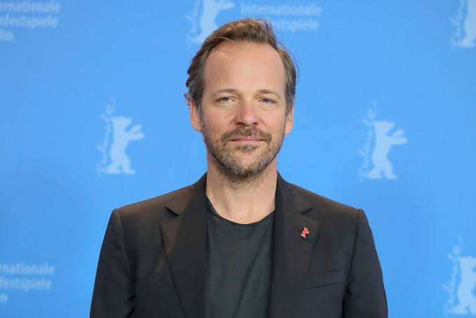 Peter Sarsgaard calls the production a spectacle