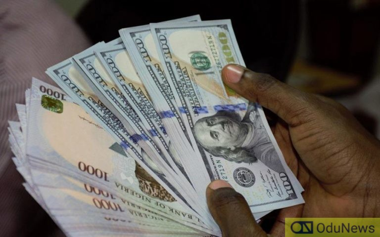 Naira Exchanges For ₦440 Per Dollar At Parallel Market