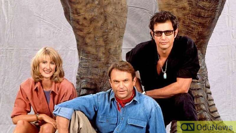 Laura Dern, Sam Neill, and Jeff Goldblum on the set of JURASSIC PARK