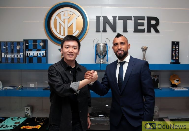 Inter Sign Vidal From Barcelona For €1m