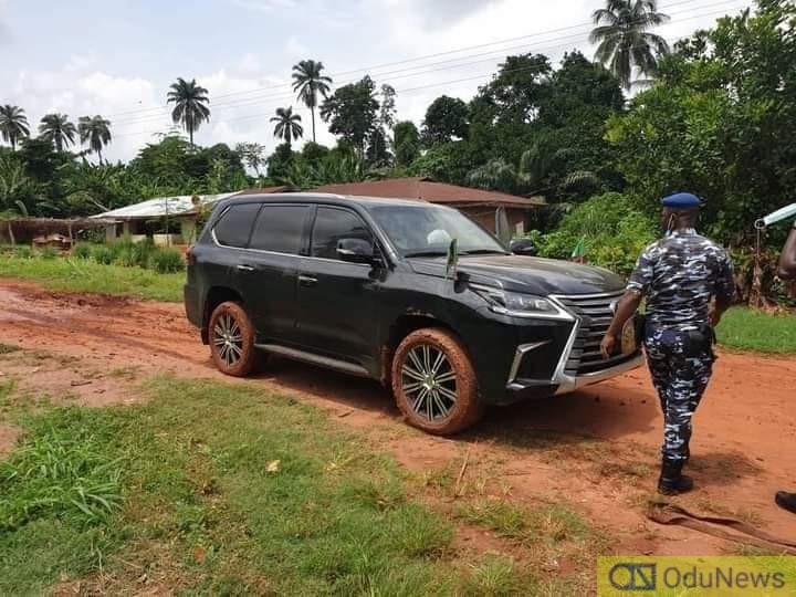 Photos As Governor Godwin Obaseki Official Car Sinks In Edo State Road